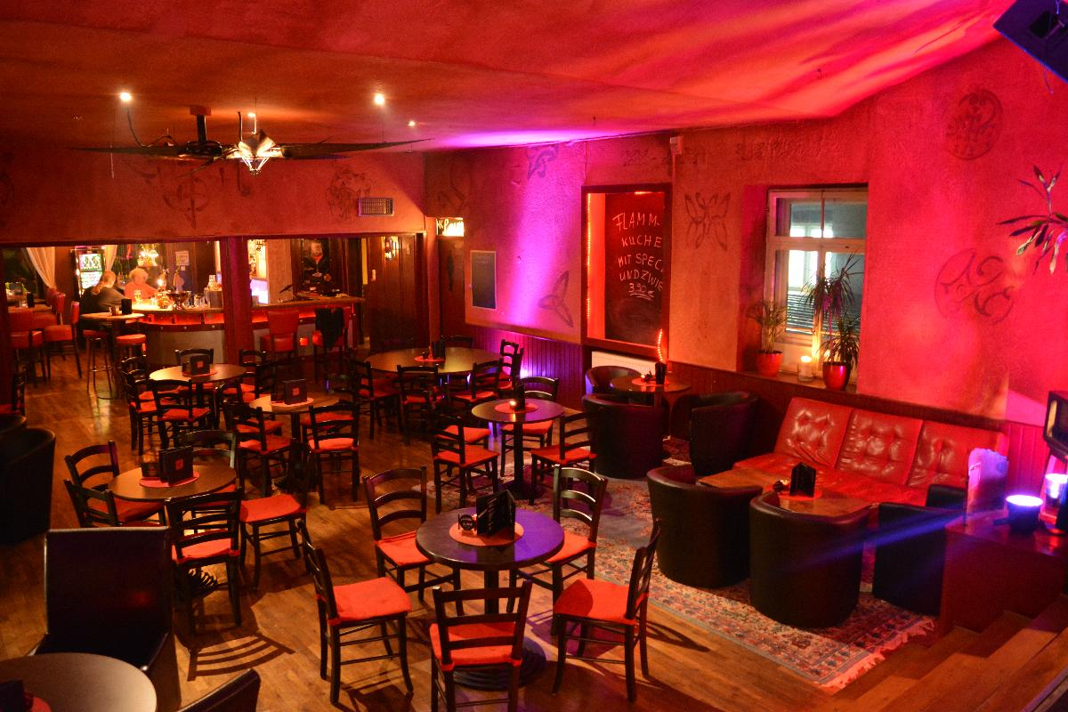 red. bar & lounge - Barbereich